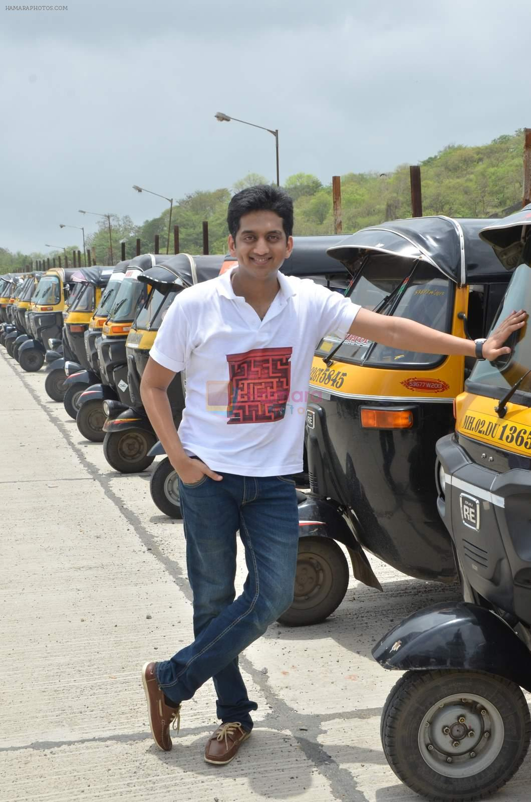 Amey Wagh at Shutter film promotions with rickshaw drivers in Filmcity, Mumbai on 27th June 2015