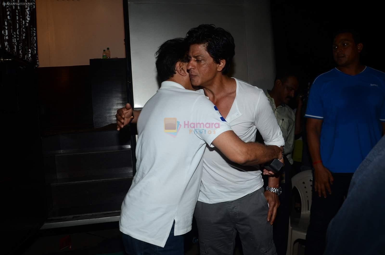 Shahrukh Khan at Baba Siddique's iftar party in Mumbai on 29th June 2015
