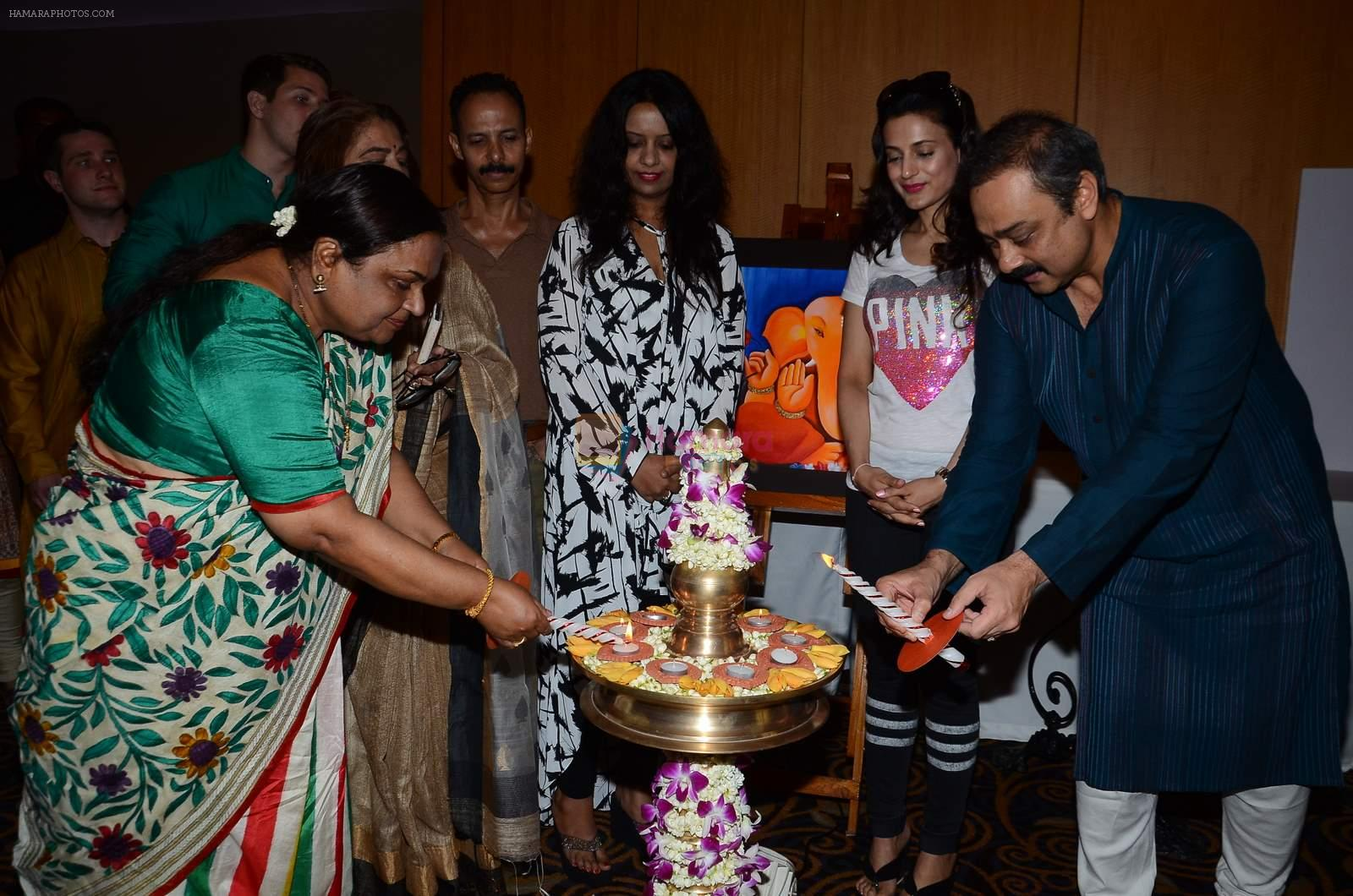 Ameesha Patel, Sachin Khedekar at painting exhibition Celebrating Creativity on 2nd Aug 2015