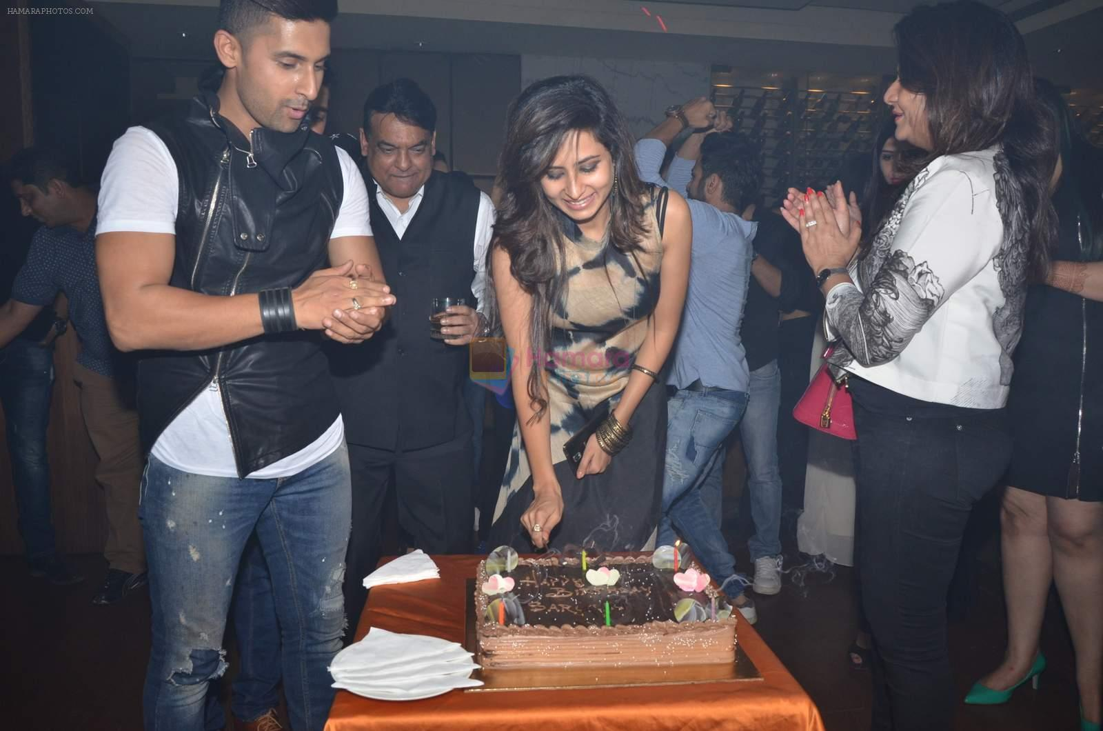sargun mehta's bday bash hosted by ravi dubey on 5th Sept 2015
