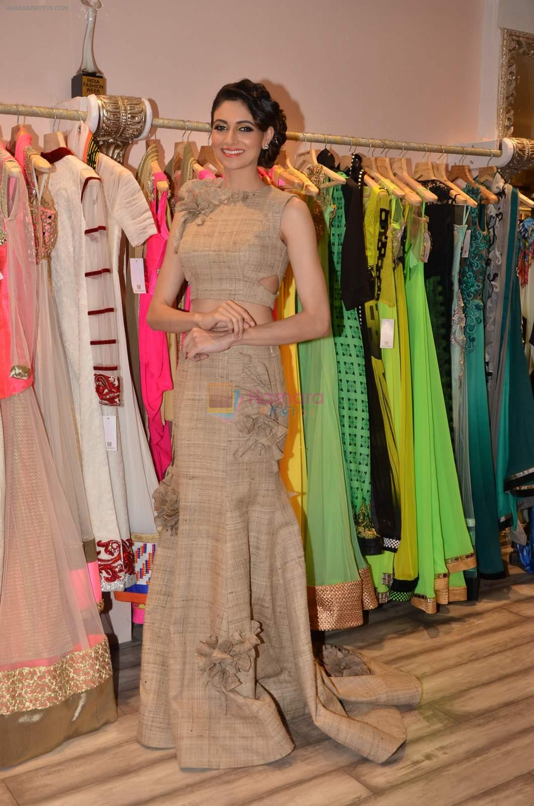 Simran Kaur at Archana Kocchar's NY Fashion week collection launch in Juhu, Mumbai on 10th Sept 2015