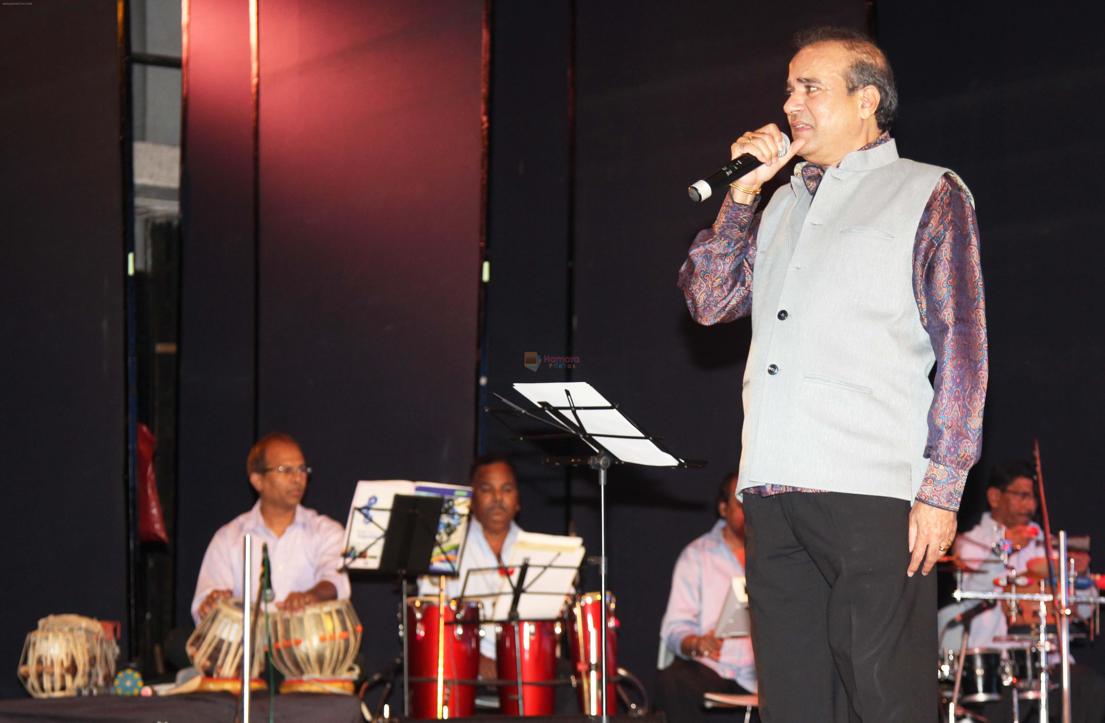Suresh Wadkar performed at the _Care for Cancer Patients - Annual Day Event_  organised by NGO Vishwas.5