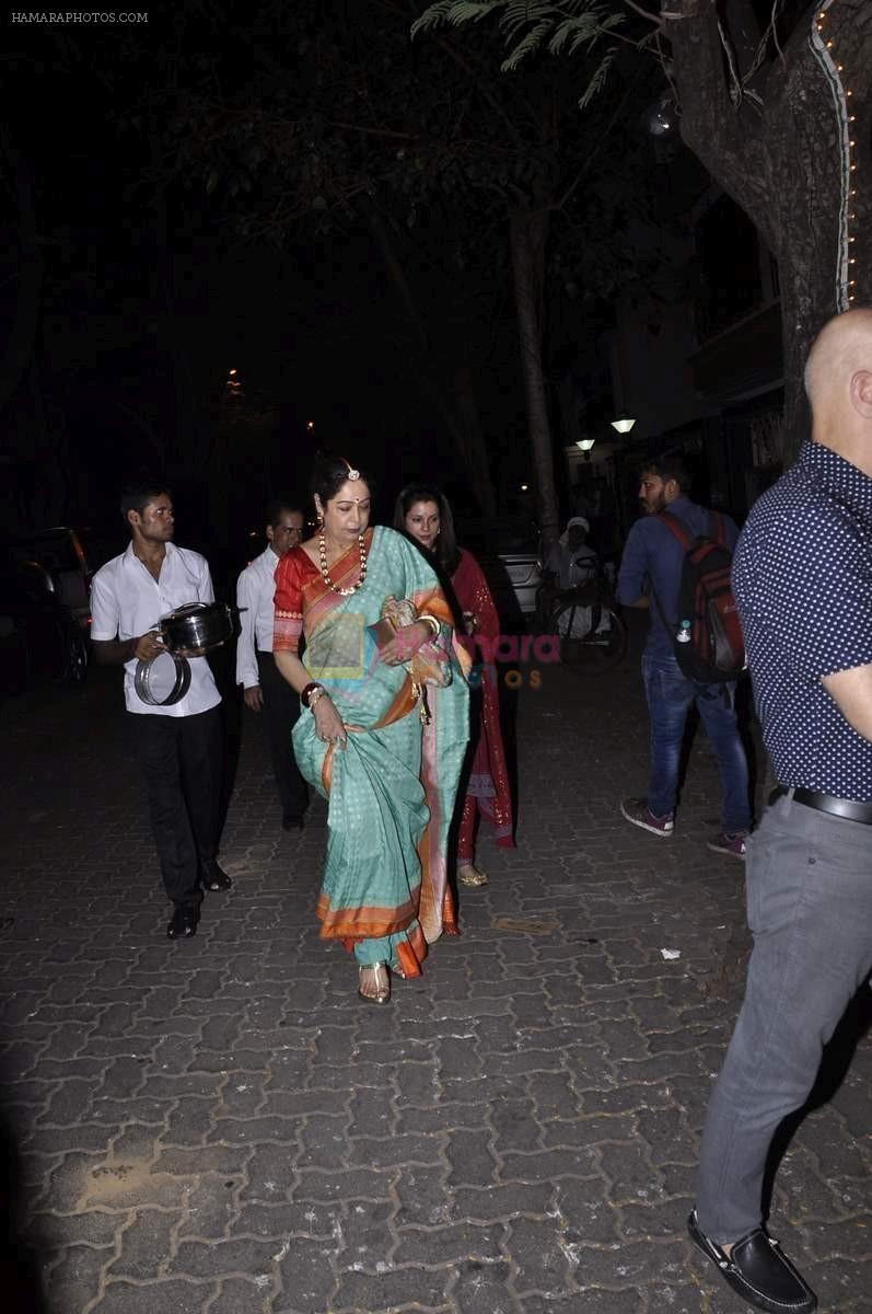 Kiran Kher at Karva chauth celebrations at Anil Kapoors residence on 30th Oct 2015