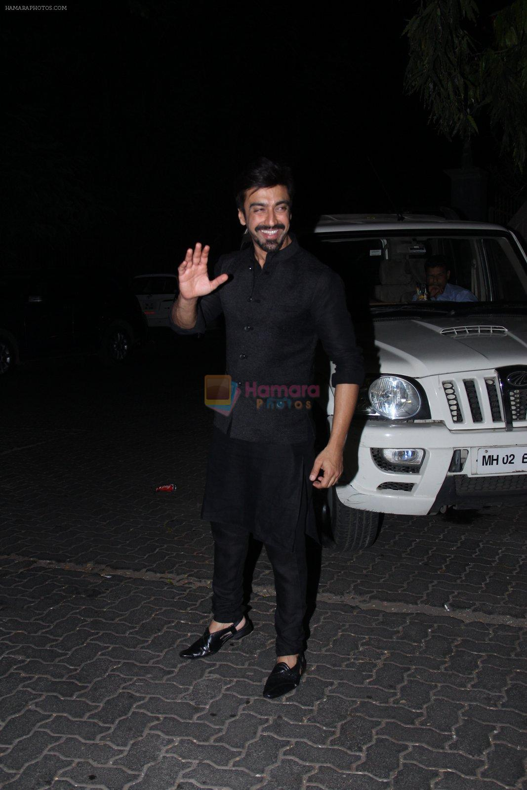 Aashish Chaudhary at manish malhotra's diwali bash on 10th Nov 2015