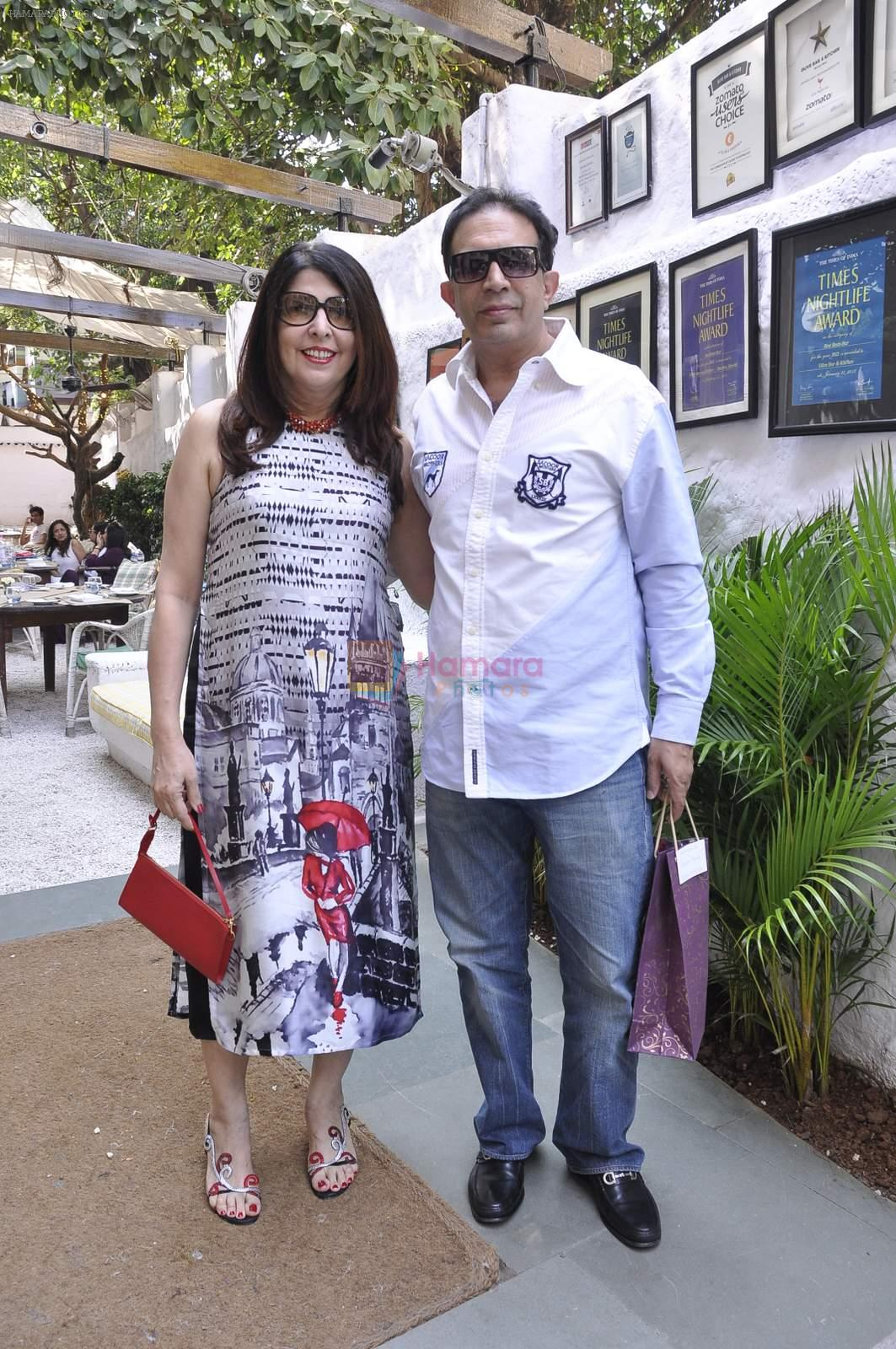 roshni and pervez damania at Poonam Soni's bdy bash on 15th Nov 2015