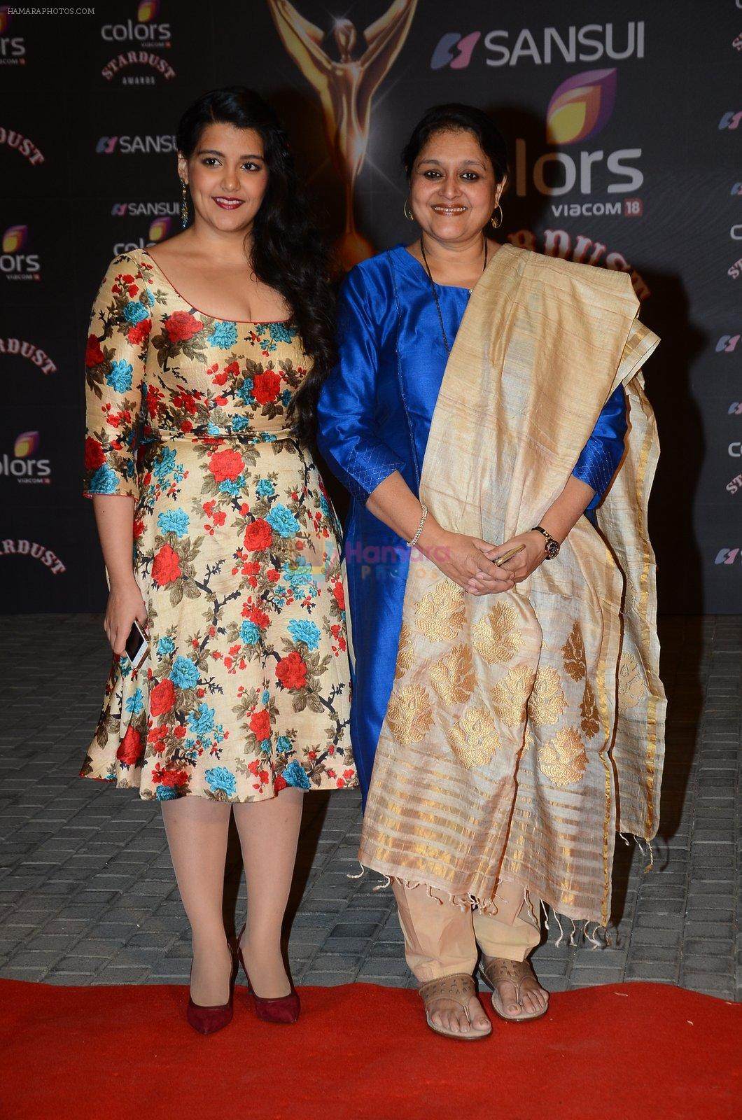 Sanah Kapoor, Supriya Pathak at the red carpet of Stardust awards on 21st Dec 2015