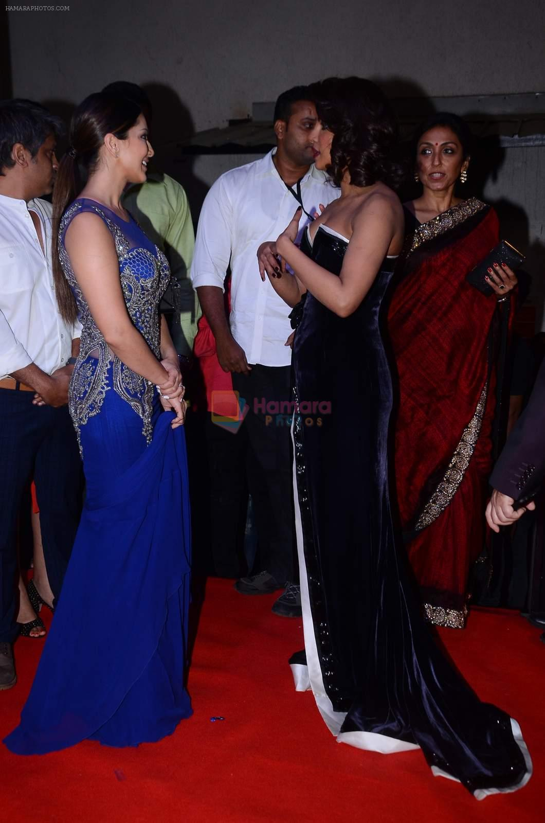 Sunny Leone, Priyanka Chopra at Producer's Guild Awards on 22nd Dec 2015