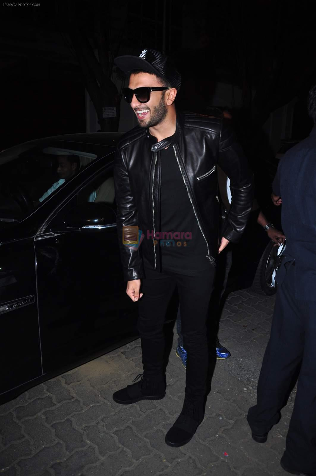Ranveer Singh at Anil kapoor's bday bash on 23rd Dec 2015