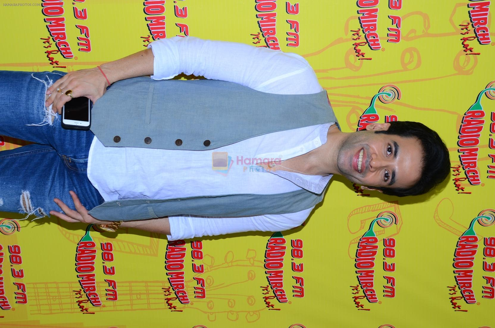 Tusshar Kapoor at Radio Mirchi studio to promote their fim Kya kool hai Hum on 29th Dec 2015