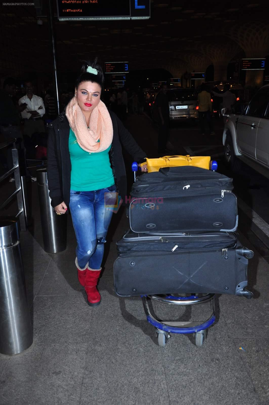 Rakhi Sawant at international airport on 29th Dec 2015