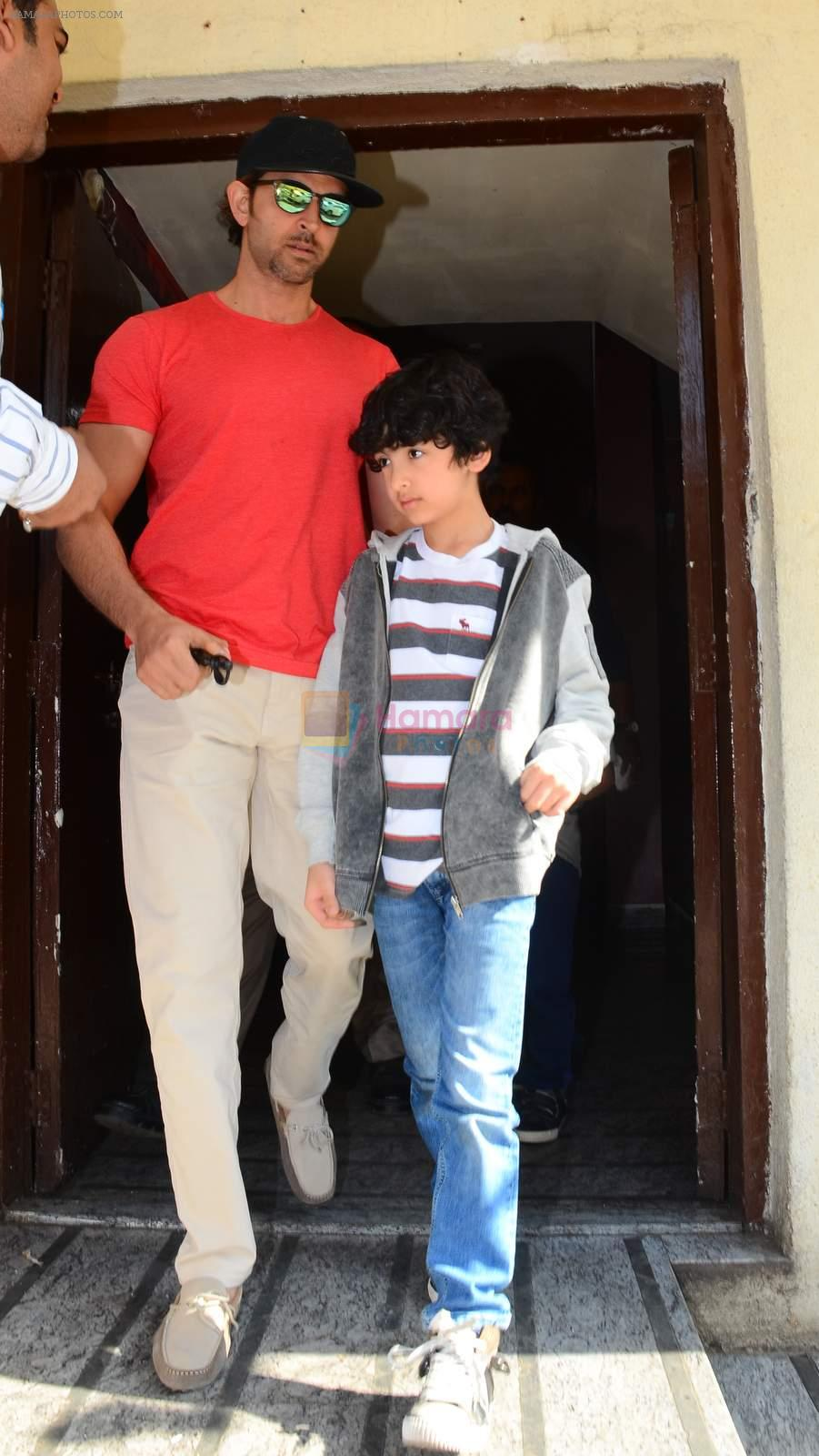 Hrithik Roshan snapped with kids in pvr juhu on 29th Dec 2015