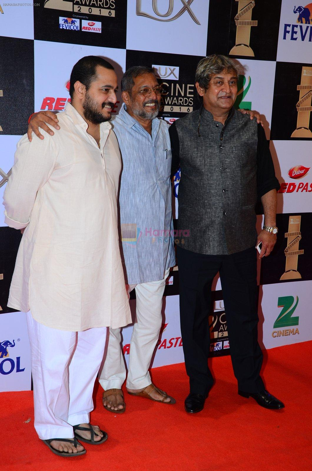 Mahesh Manjrekar at zee cine awards 2016 on 20th Feb 2016