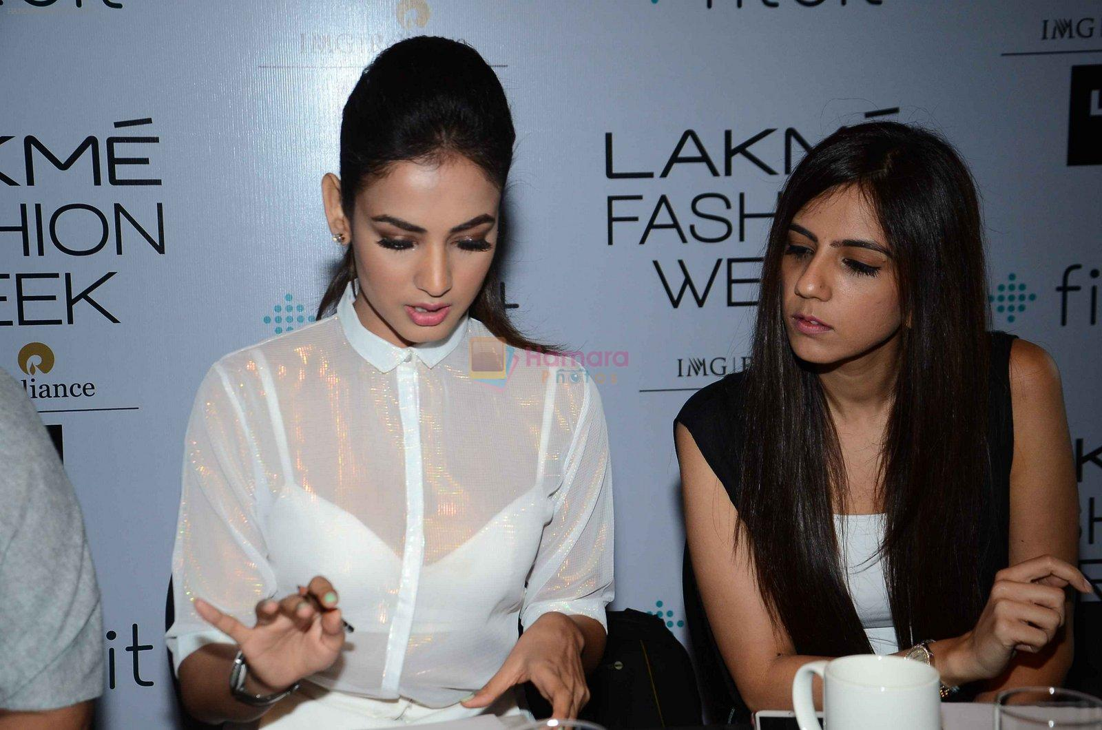Sonal Chauhan at Lakme model auditions in Mumbai on 23rd Feb 2016