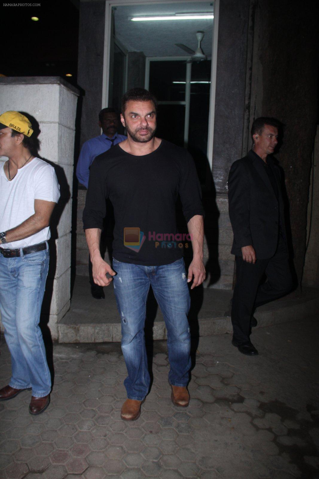 Sohail Khan snapped outside Anu Dewan's house on 27th Feb 2016