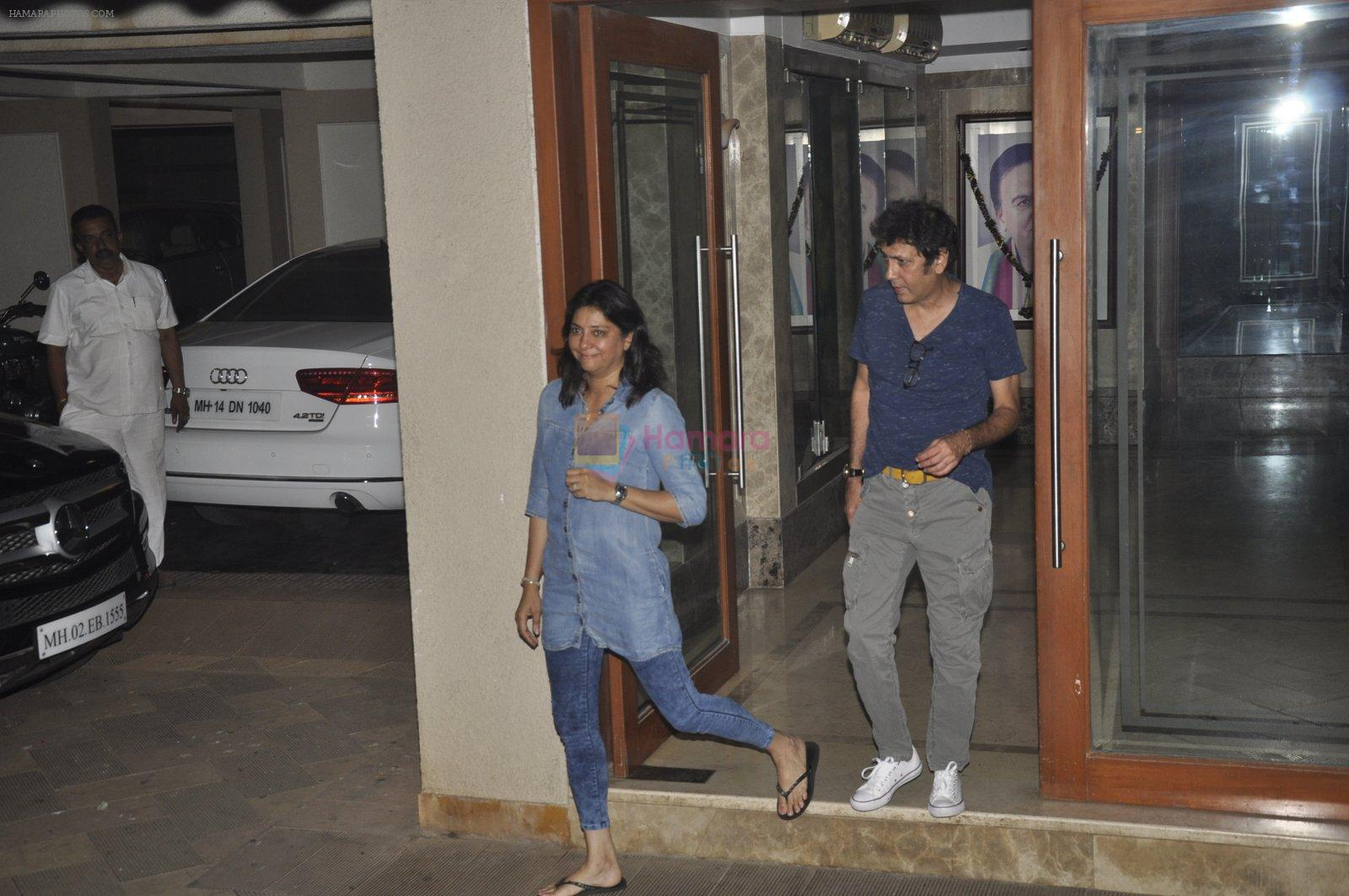 Priya Dutt at Sanjay Dutt's House on 27th Feb 2016