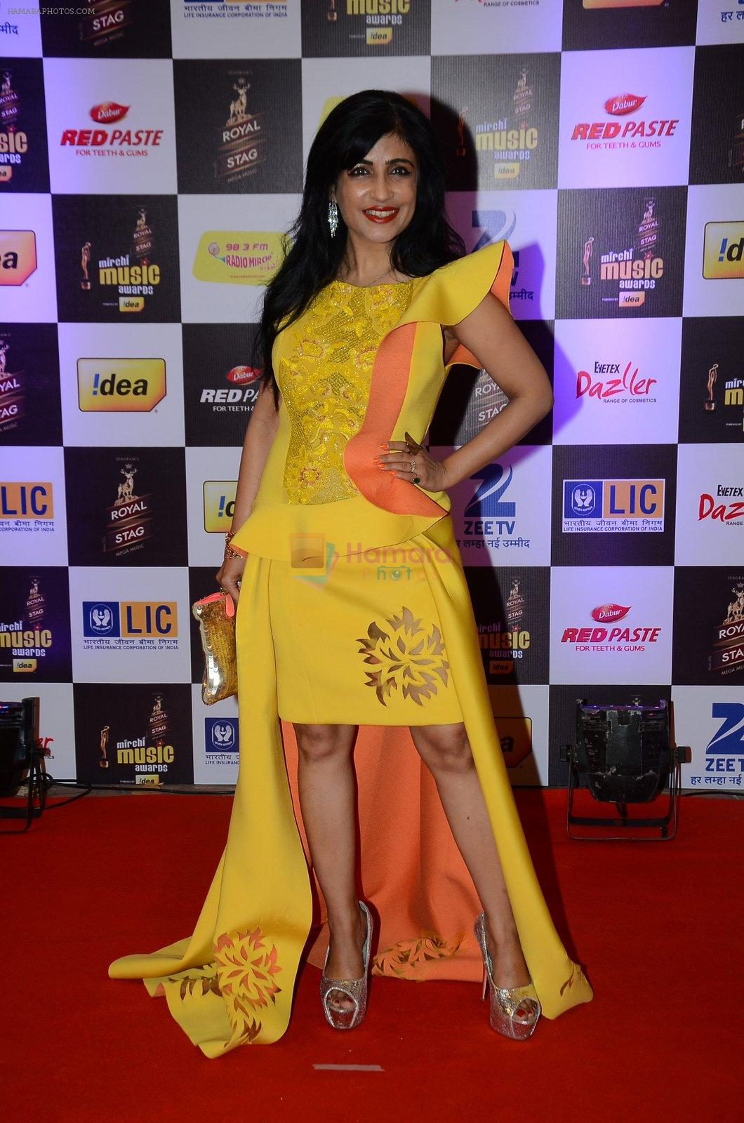 Shibani Kashyap at radio mirchi awards red carpet in Mumbai on 29th Feb 2016