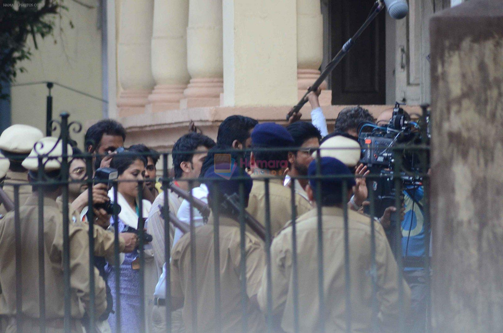Shahrukh Khan snapped on the sets of his new film at Dadar on 28th Feb 2016