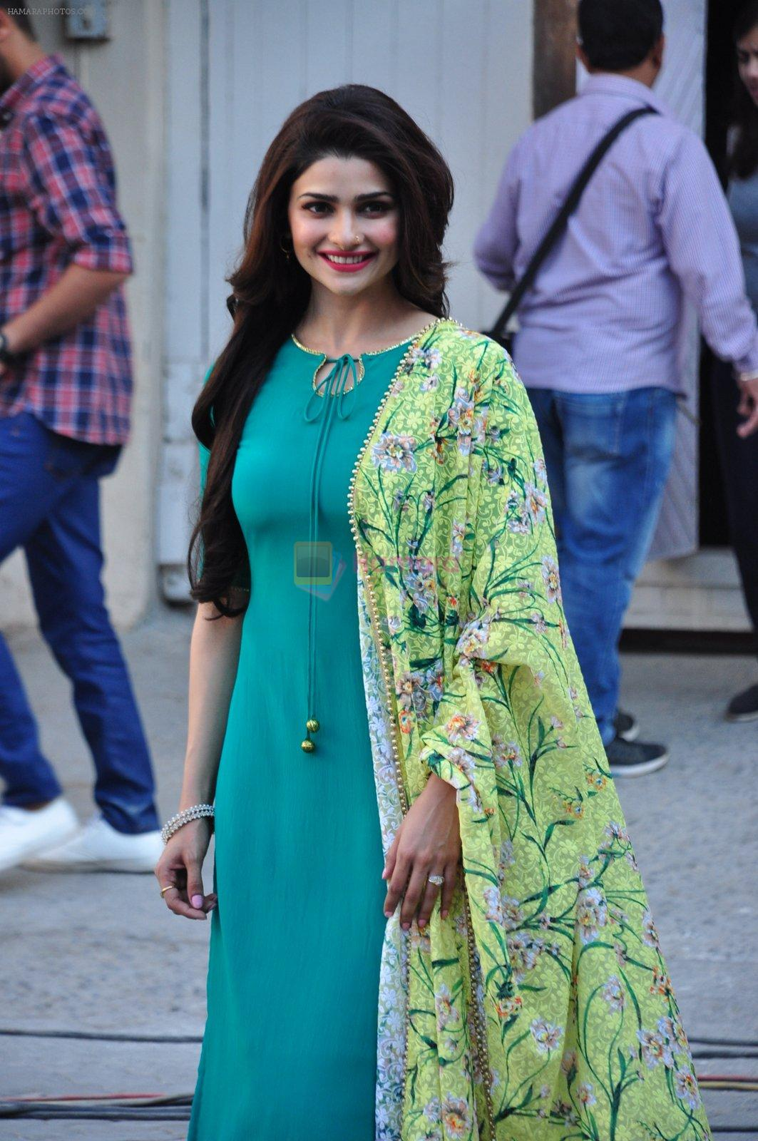 Prachi Desai snapped at Azhar photoshoot on 17th March 2016