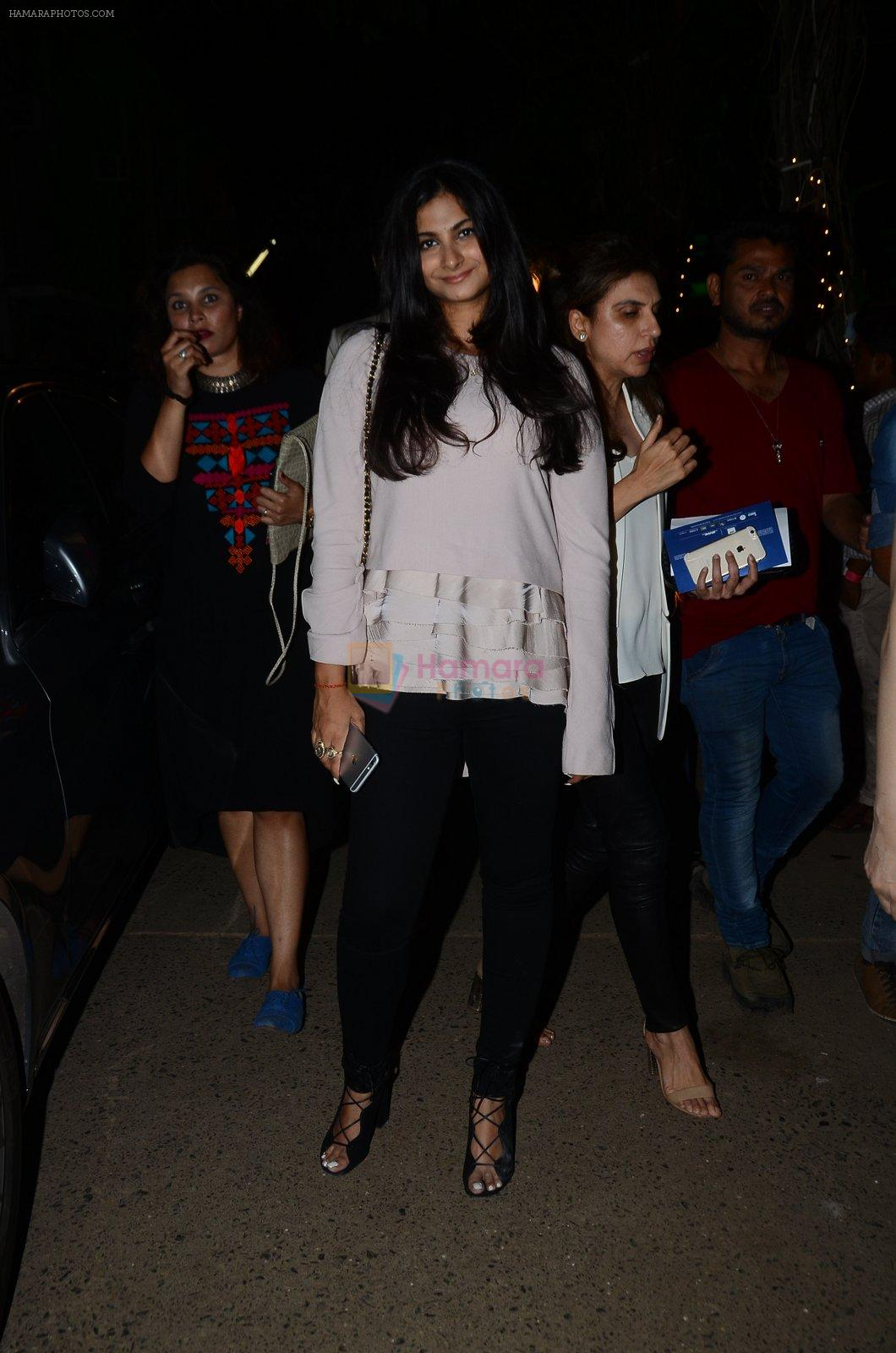 Rhea Kapoor at Manish malhotra lakme red carpet on 29th March 2016
