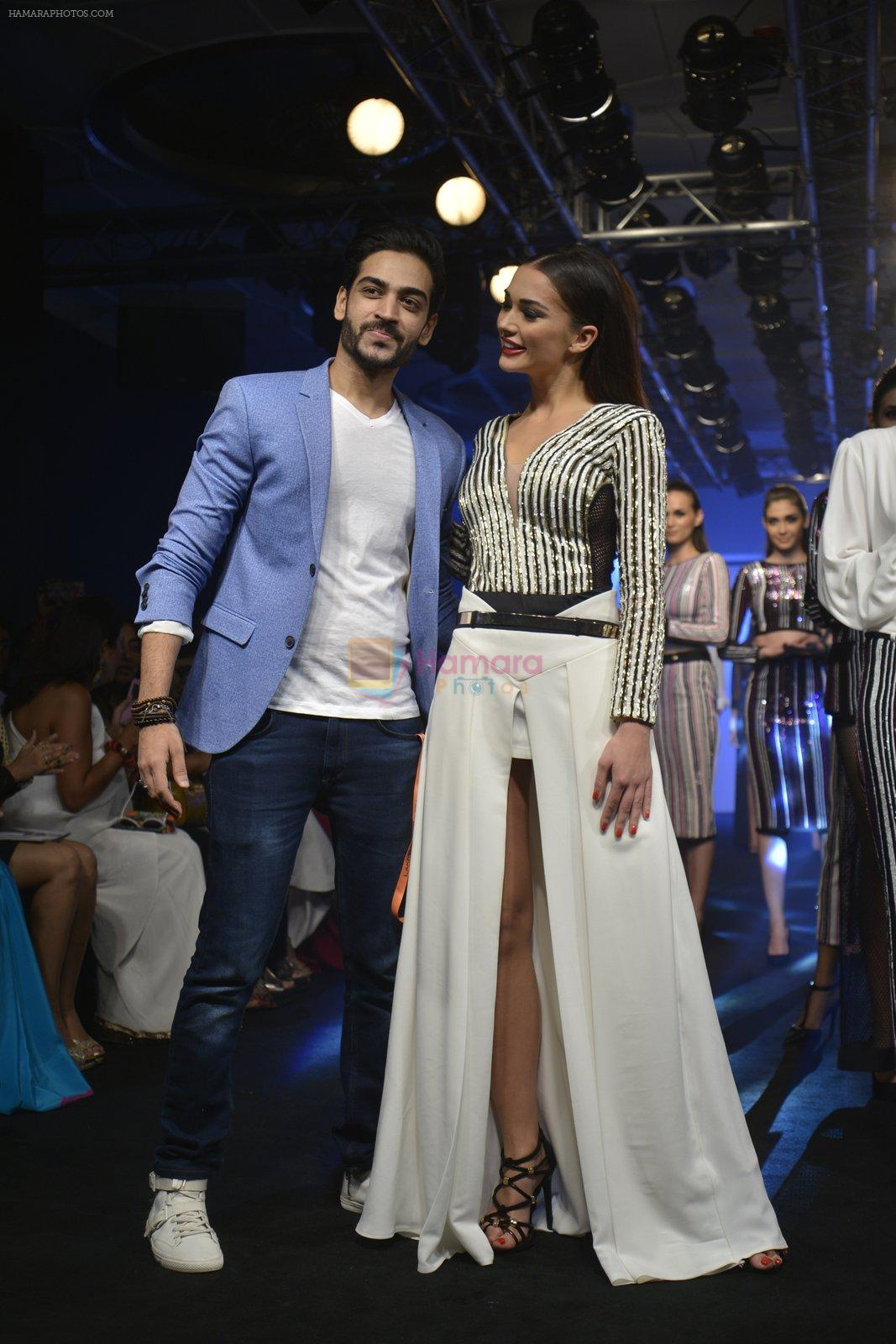 Amy Jackson at the Karan Malhotra Show at Lakme Fashion Week on 3rd April 2016