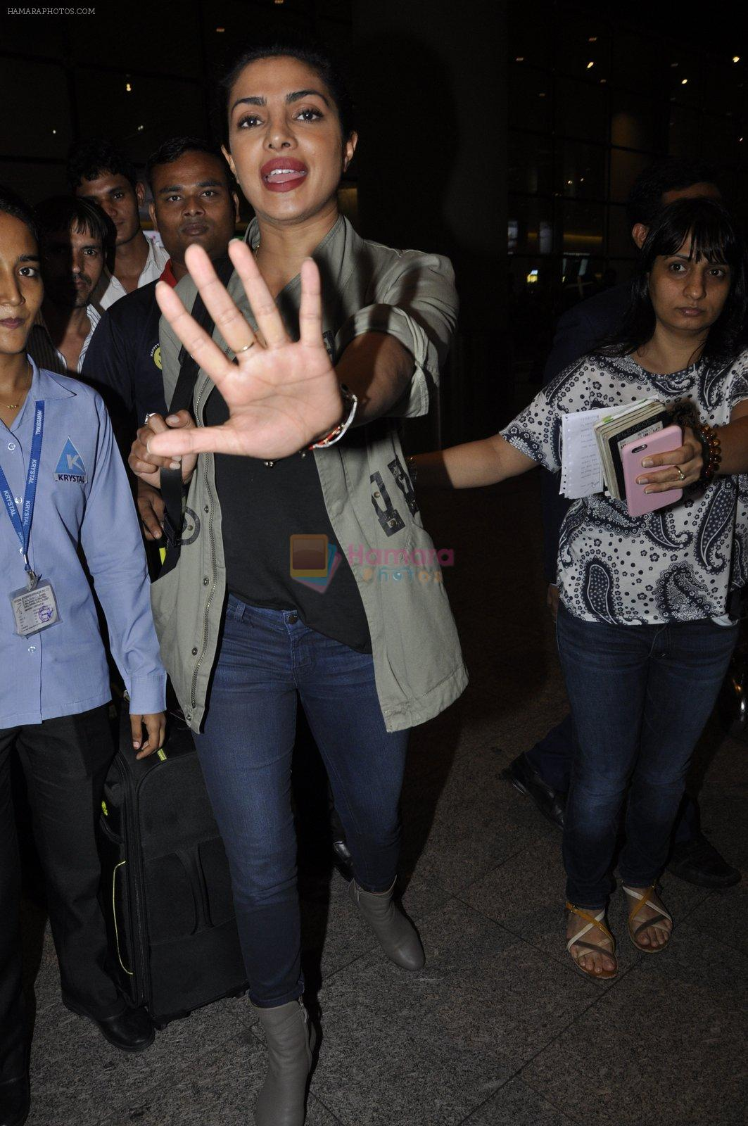 Priyanka Chopra snapped at airport on 8th June 2016