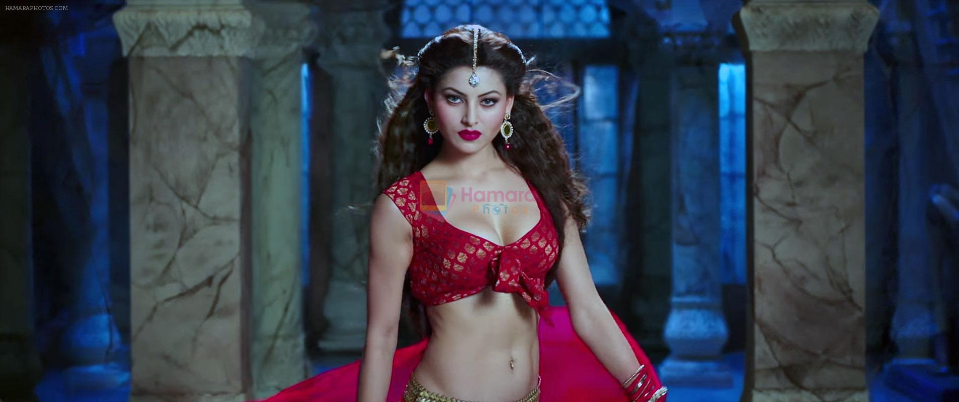 Urvashi Rautela as Ragini SMS in Great Grand Masti Movie Still