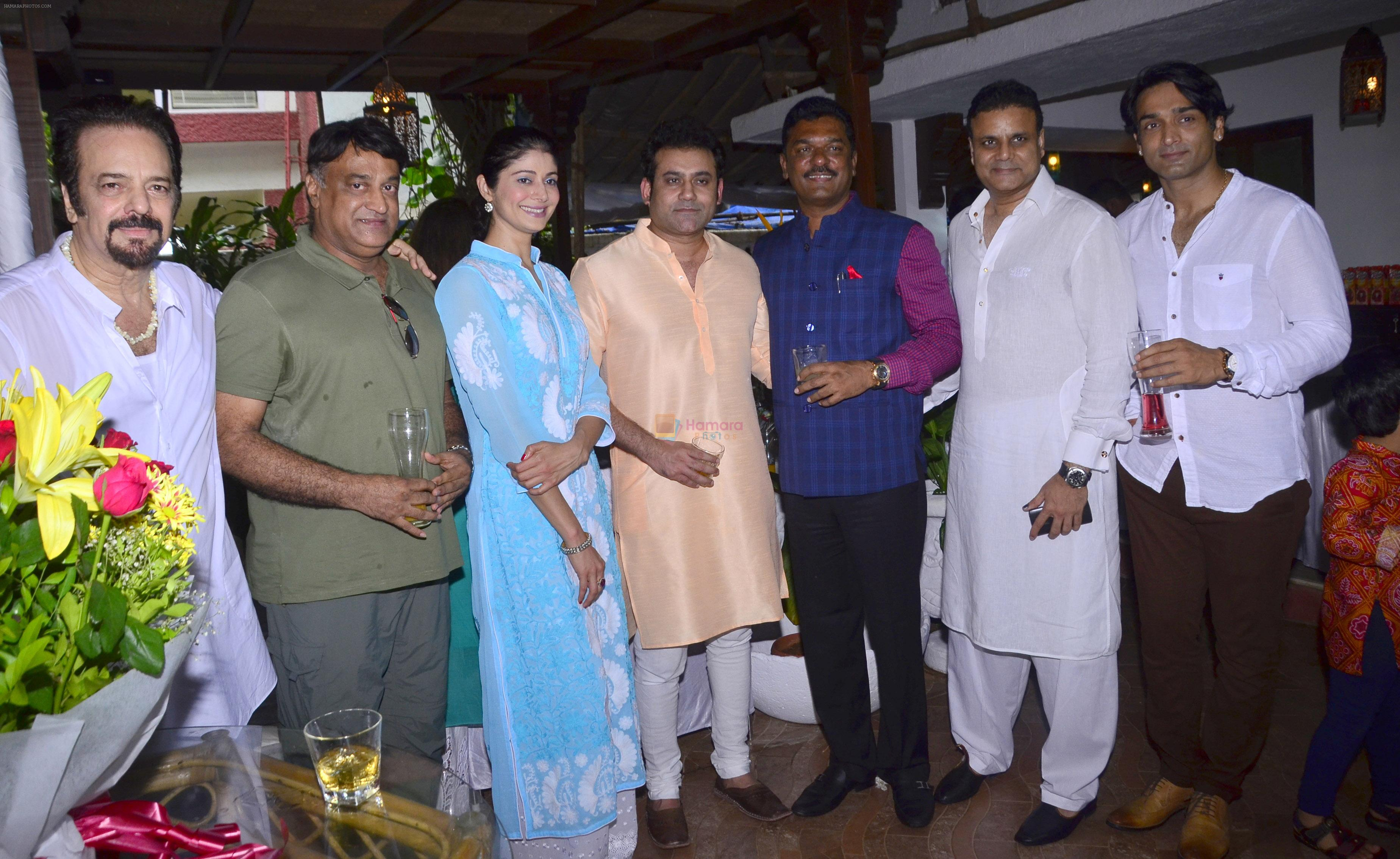 Akbar Khan, Puja Batra, Nitin Kenny, Joe Rajan & Pratap Sarnaik, Bunty Grewal at Akbar Khan's Grand Get - Together at his residence