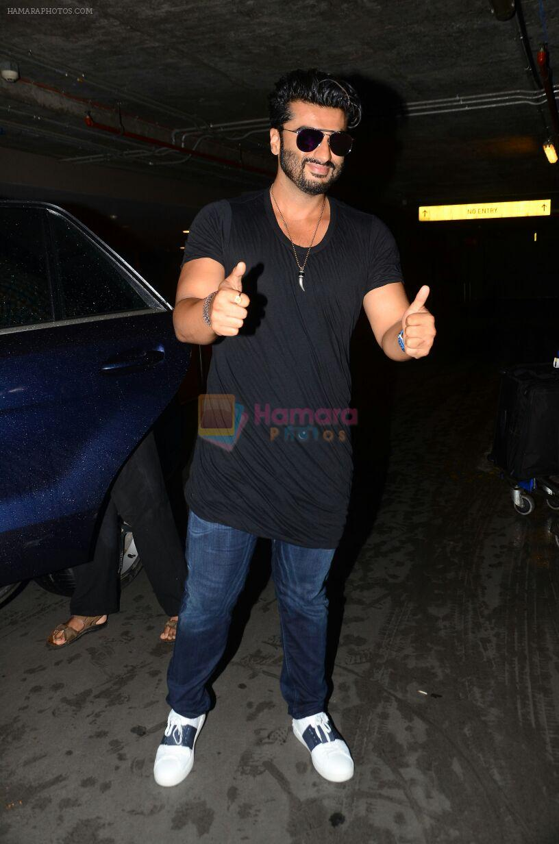 Arjun kapoor landed from london in Mumbai airport on 30th July 2016
