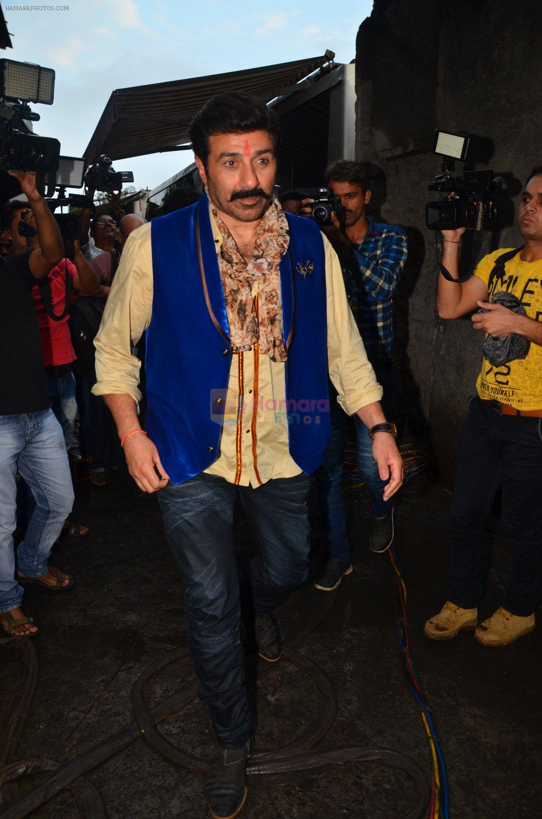 Sunny Deol at Superhit Bhaiya On location on 30th July 2016