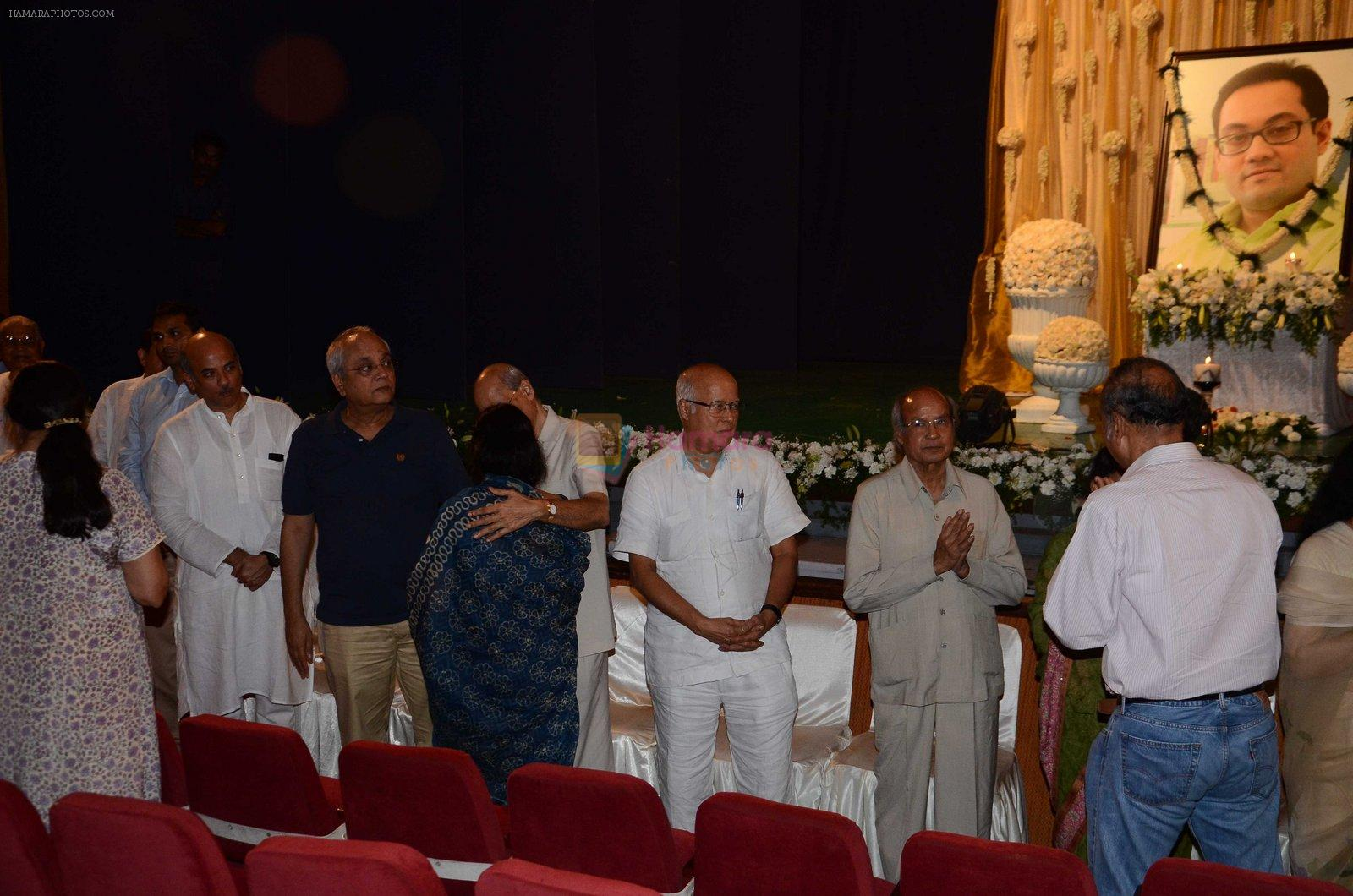Sooraj Bharjatya at Rajat Barjatya prayer meet on 31st July 2016