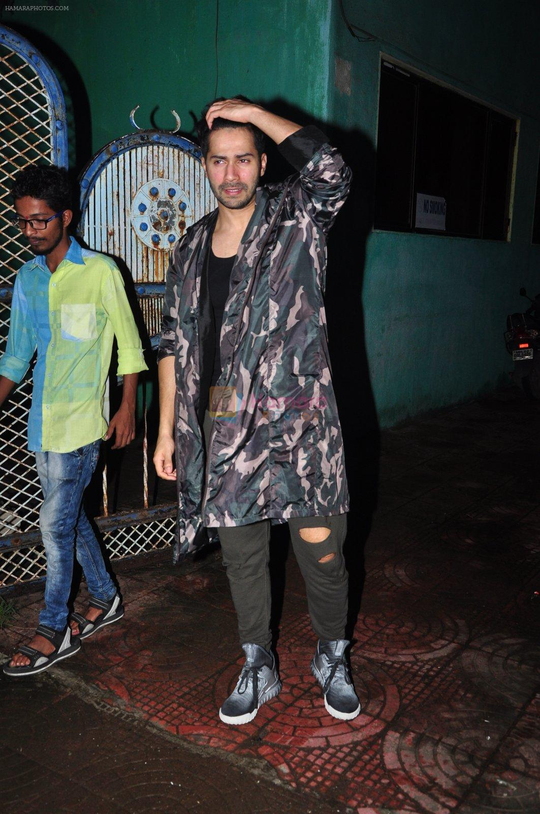 Varun Dhawan with Dream Team cast snapped post rehearsals on 3rd Aug 2016
