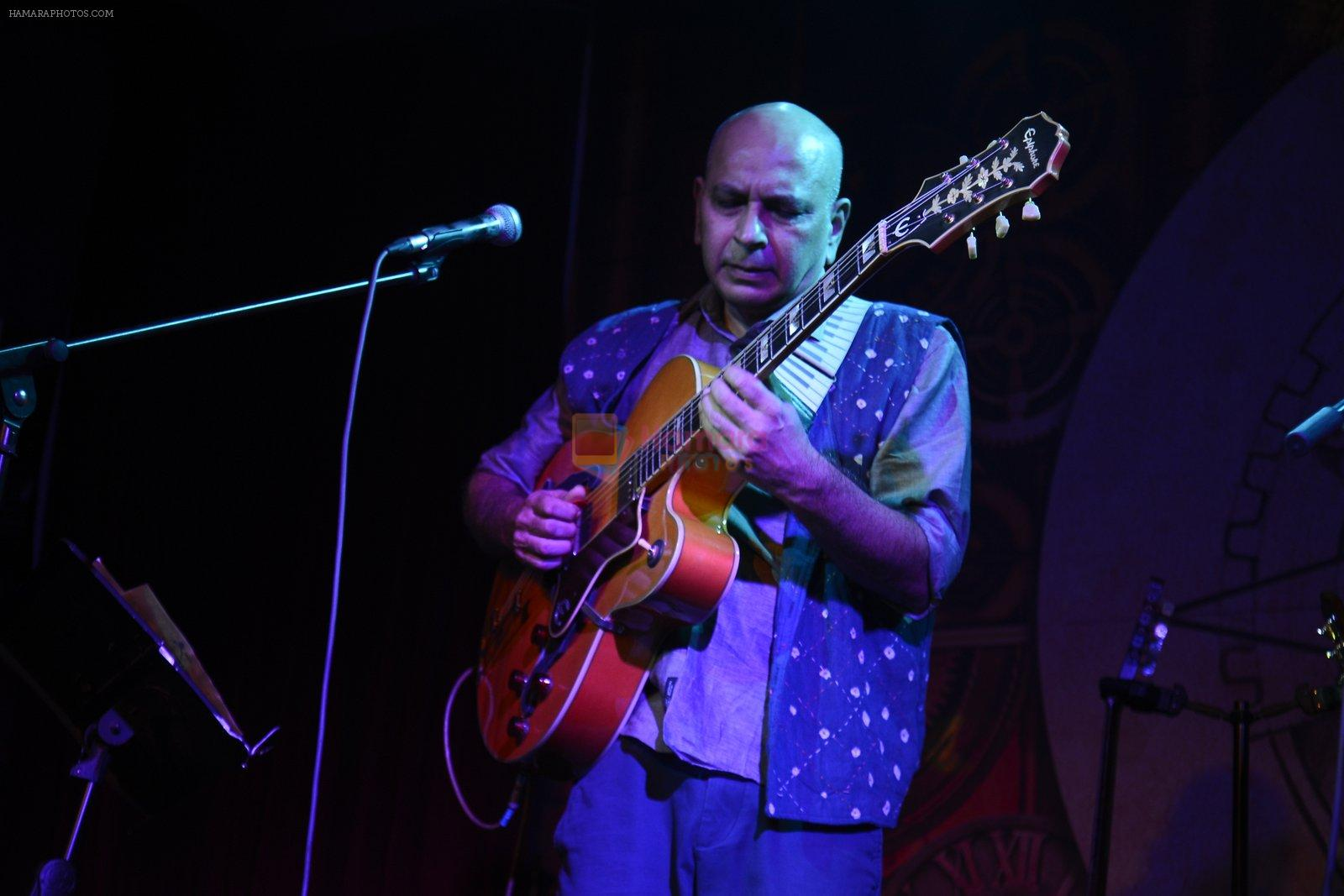 at Sanjay Divecha album launch in Mumbai on 4th Aug 2016