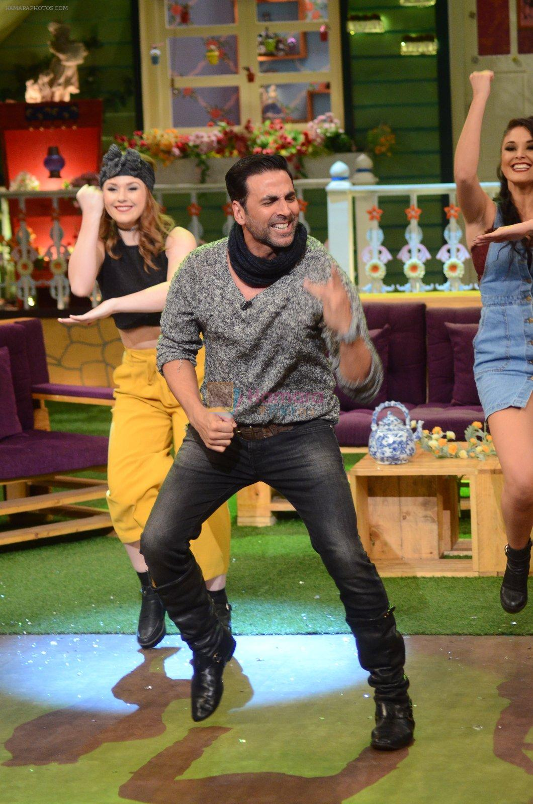 Akshay Kumar promote Rustom on the sets of The Kapil Sharma Show on 5th Aug 2016