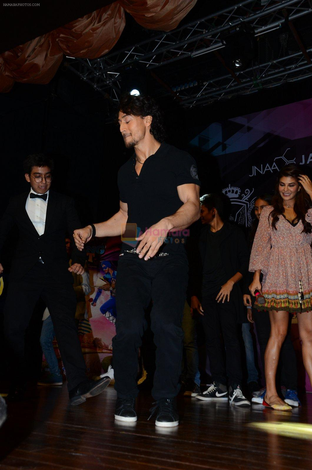 Tiger Shroff at Jamnabai's Cascade on 7th Aug 2016