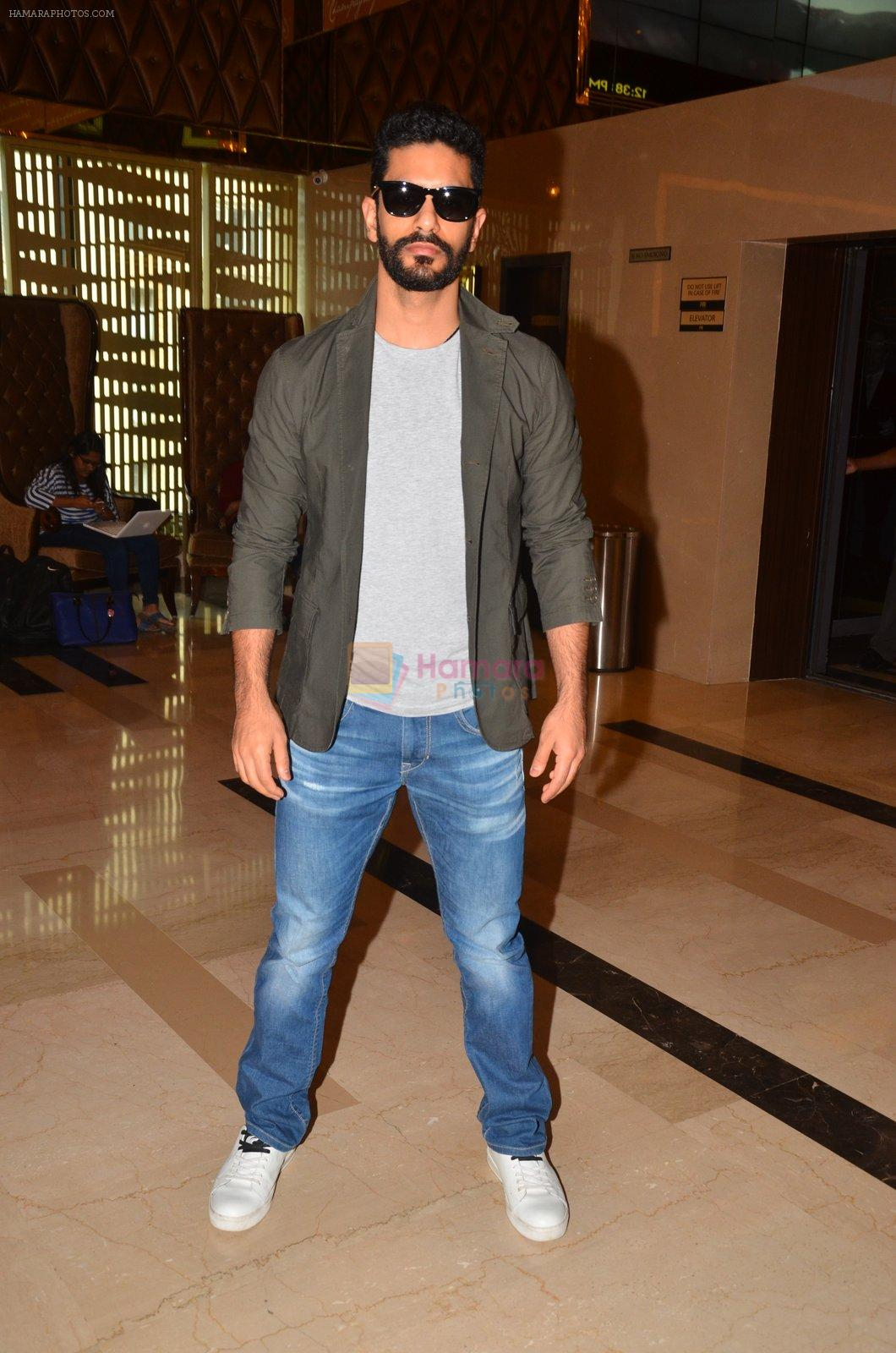 Angad Bedi at Pink trailer launch in Mumbai on 9th Aug 2016