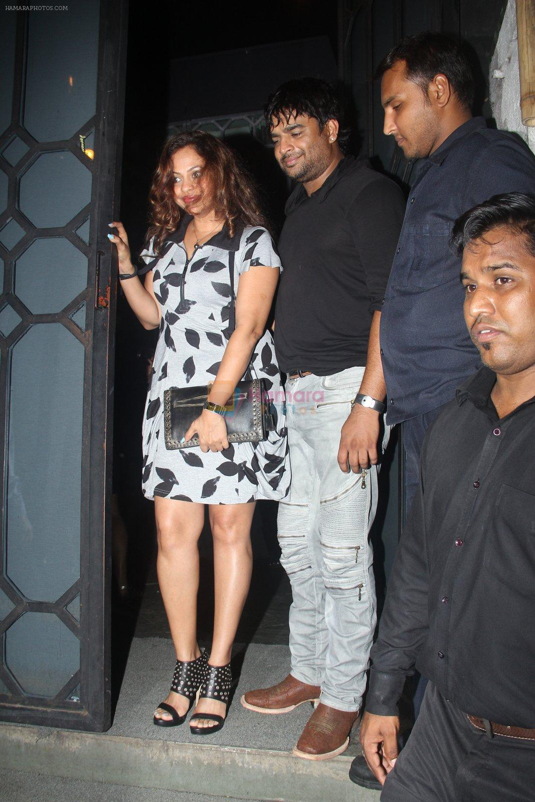 Madhavan at Publicist Rohini Iyer's bash in Mumbai on 9th Aug 2016