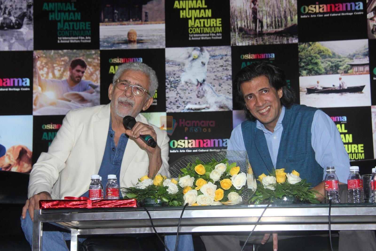 Naseeruddin Shah and Neville Tuli at Naseer Saab's masterclass at Osianama at Liberty 2