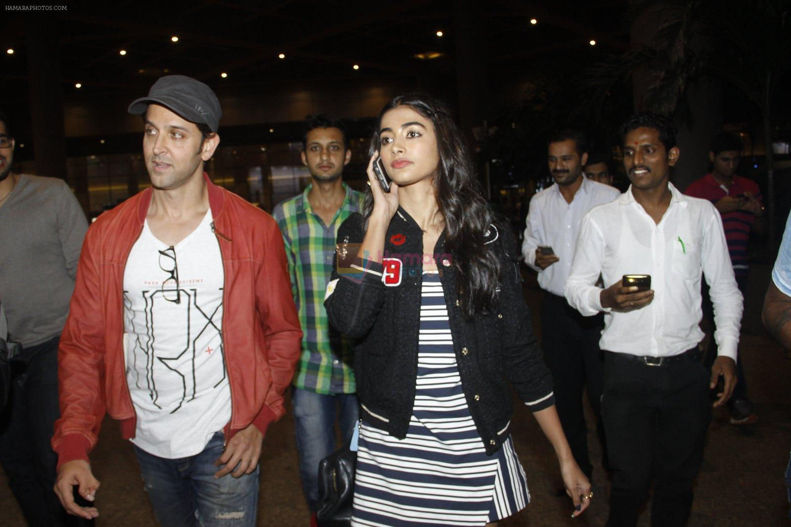 Hrithik Roshan, Pooja Hegde snapped at airport on 9th Aug 2016