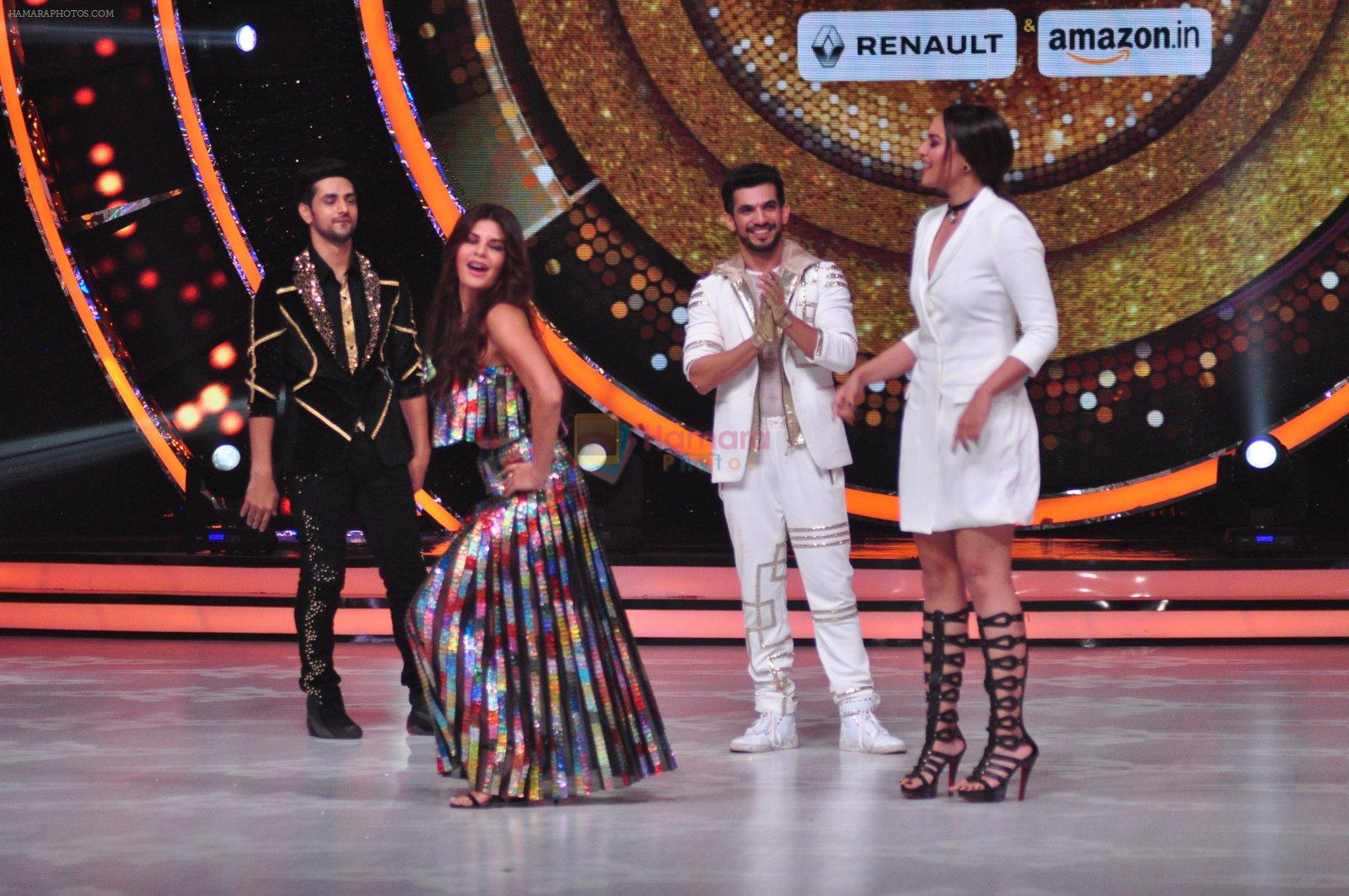Sonakshi Sinha, Jacqueline Fernandez on the sets of Jhalak Dikkhla Jaa 9 on 9th Aug 2016