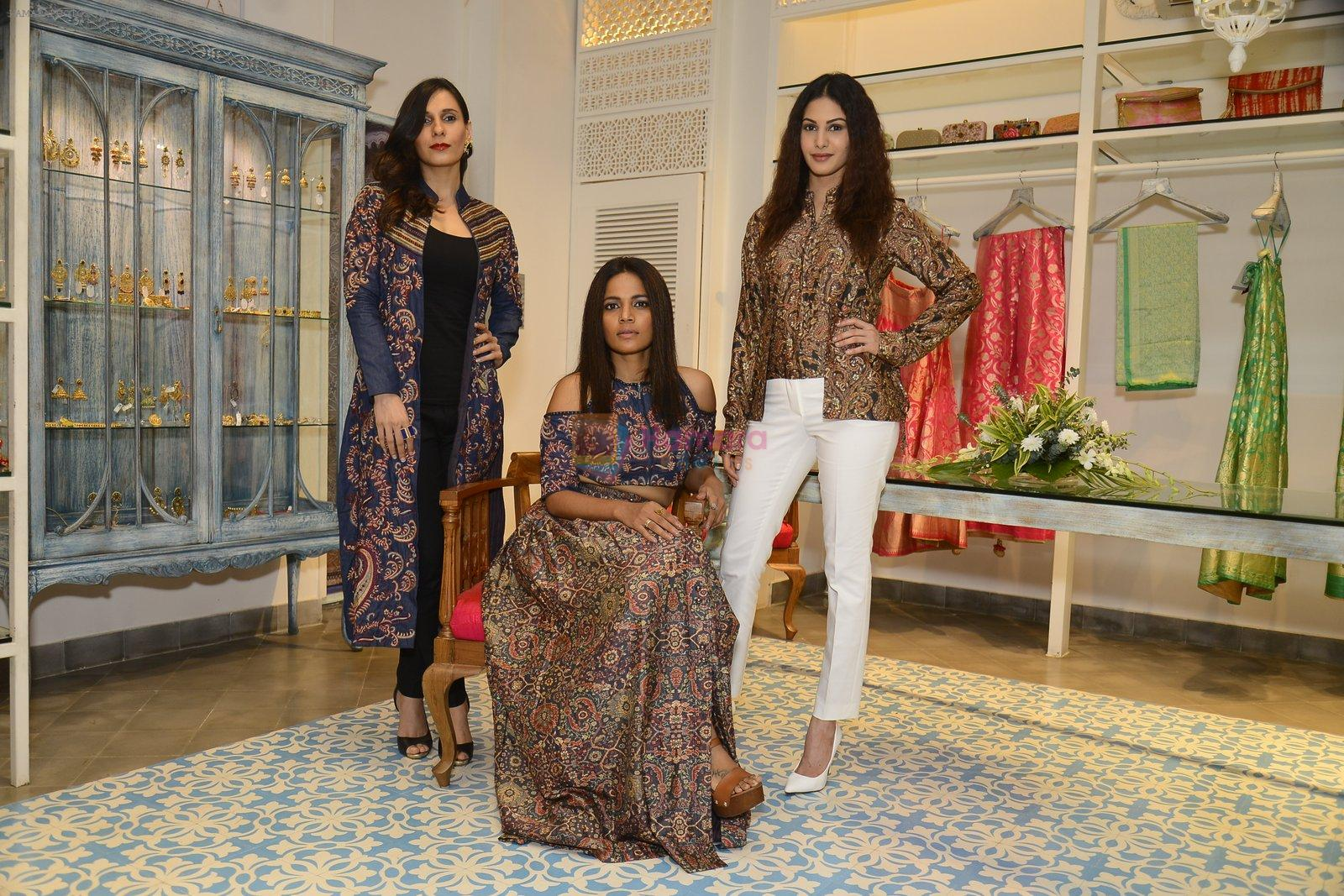 Amyra Dastur, Priyanka Bose at Kashish Infiore store for Shruti Sancheti preview on 9th Aug 2016
