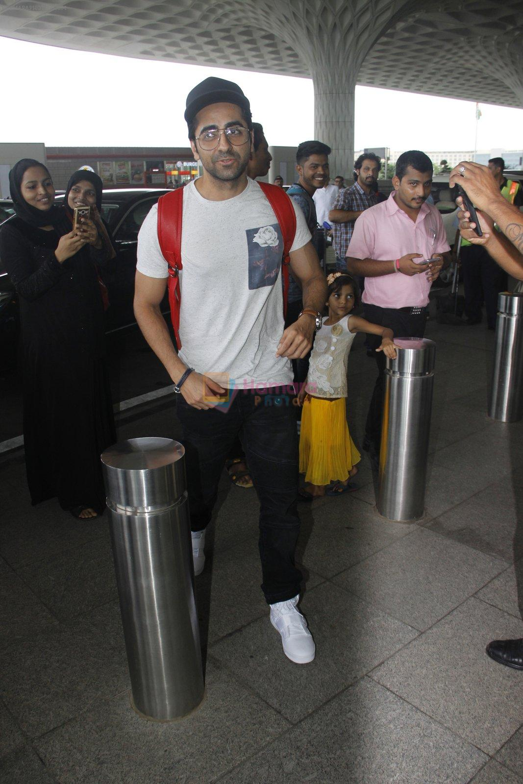Ayushman Khurana snapped at airport on 10th Aug 2016