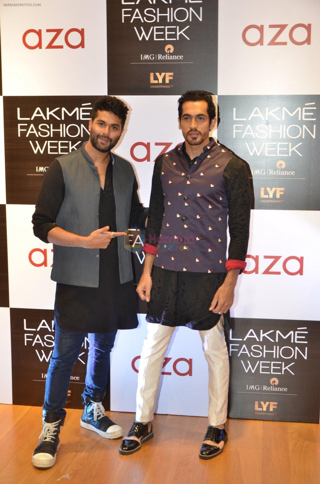 Kunal Rawal at Aza in association with Lakme Fashion Week with emerging designers on 11th Aug 2016