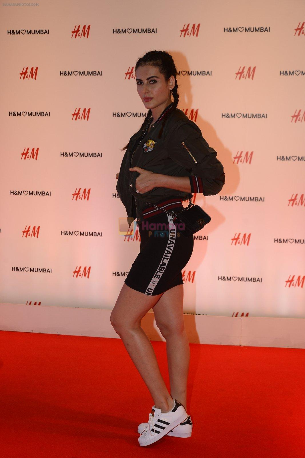 Mandana Karimi at h&m mubai launch on 11th Aug 2016