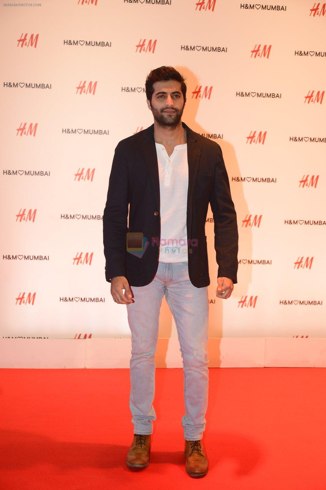 at h&m mubai launch on 11th Aug 2016