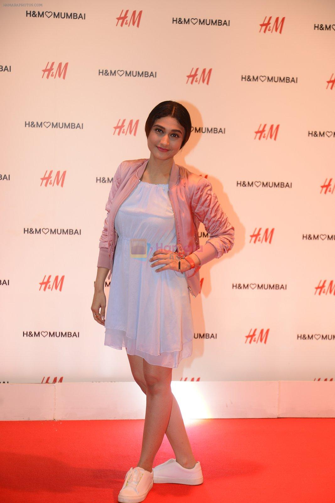 Ragini Khanna at h&m mubai launch on 11th Aug 2016