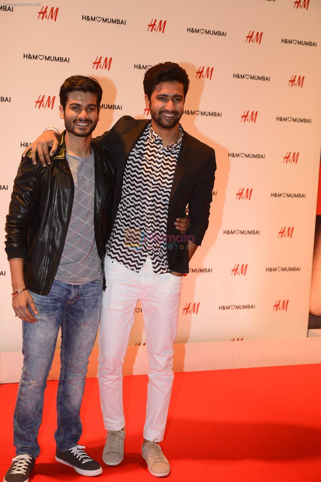 Vicky Kaushal at h&m mubai launch on 11th Aug 2016