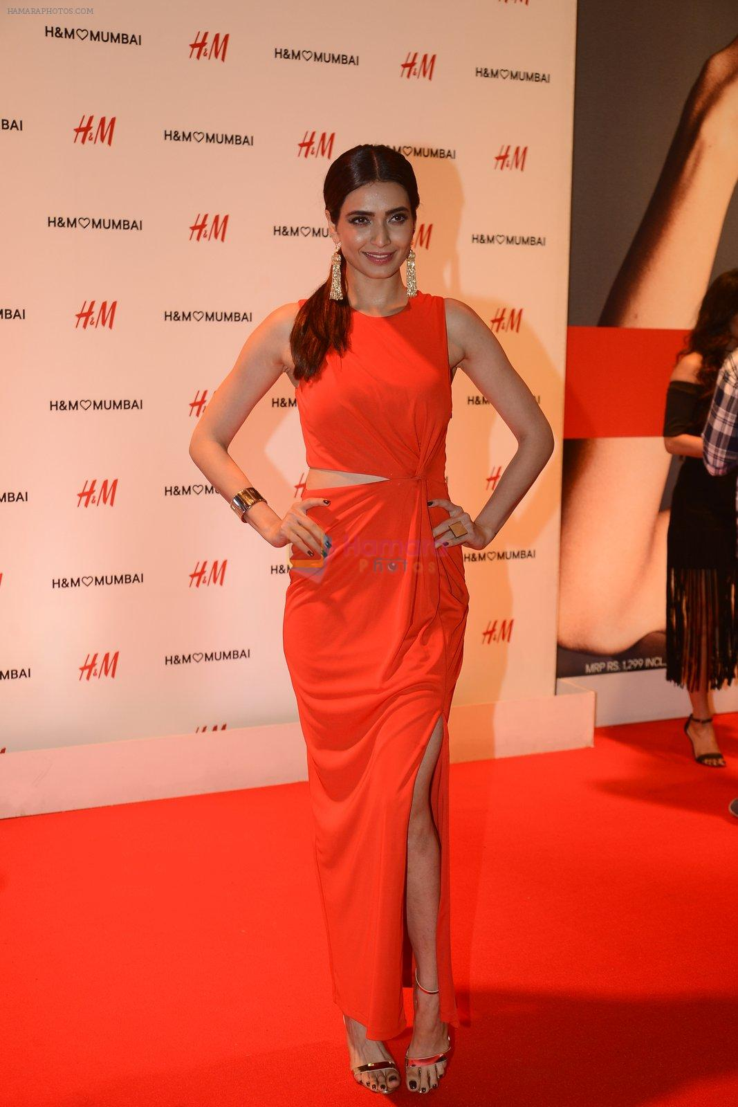 Karishma Tanna at h&m mubai launch on 11th Aug 2016