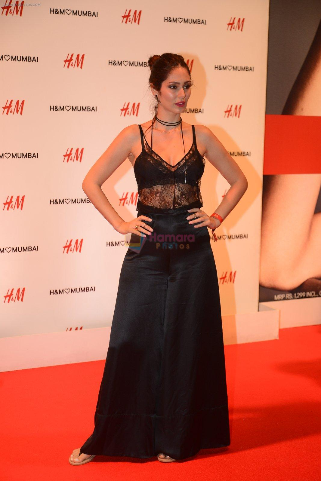 Bruna Abdullah at h&m mubai launch on 11th Aug 2016