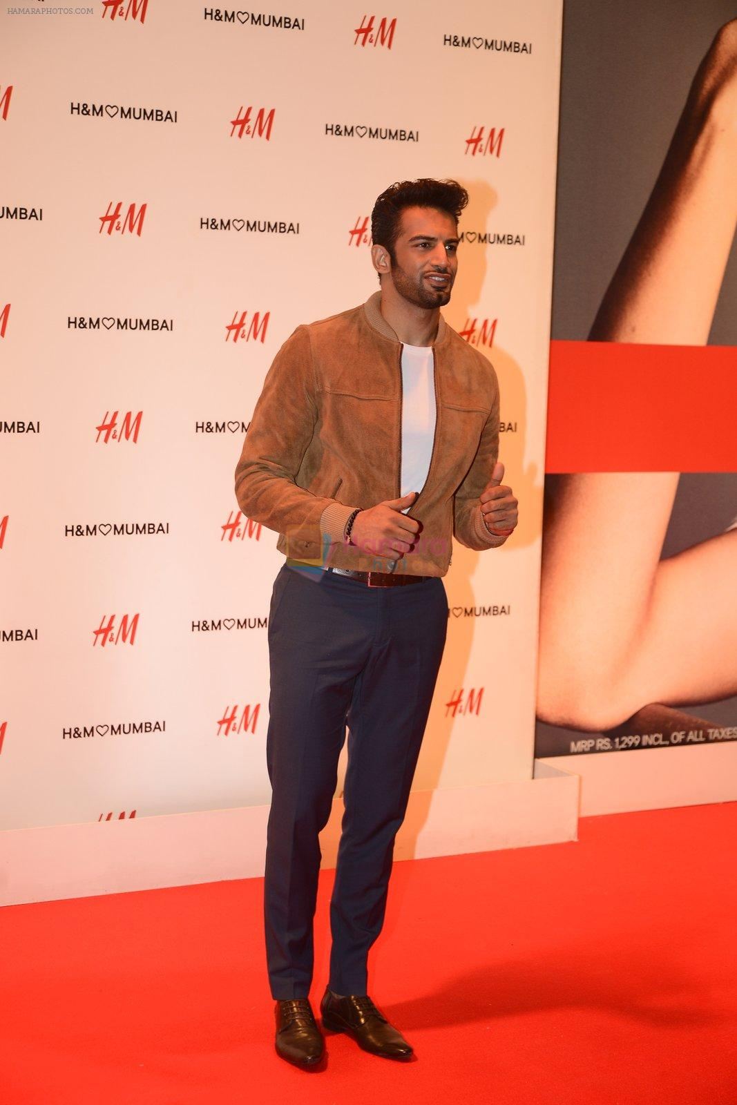 Upen Patel at h&m mubai launch on 11th Aug 2016