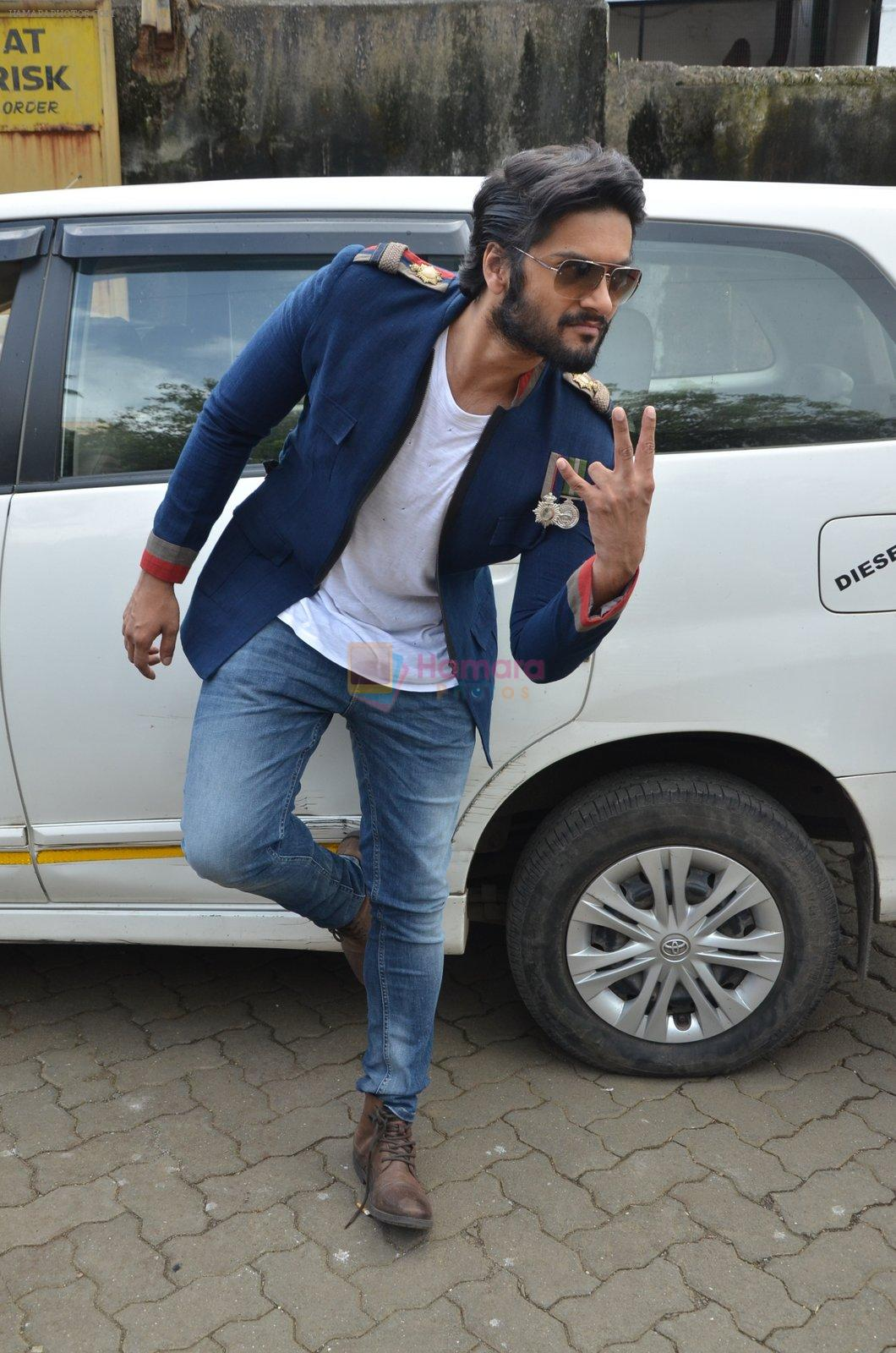 Ali Fazal at NM college Umang fest in Mumbai on 14th Aug 2016